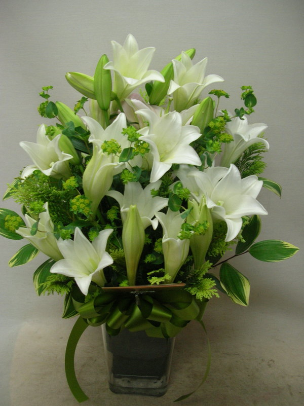 Flower korea flower shop the real local korea florist send michael cheng white lilies in vase mightylinksfo